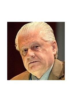 Яковишин Леонід Григорович генеральний директор ТОВ «Земля і воля», Герой України, закінчив факультет агрономії в 1961 році